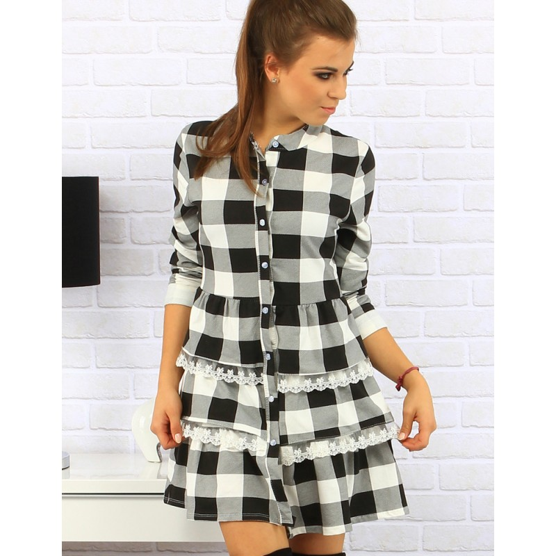 Dámske kárované šaty v čierno bielej kombinácií s volánovou ... 7dd09162221