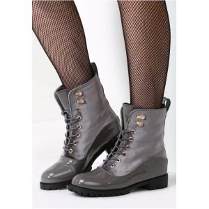 Dámska každodenná zimná obuv sivej farby na šnúrovanie