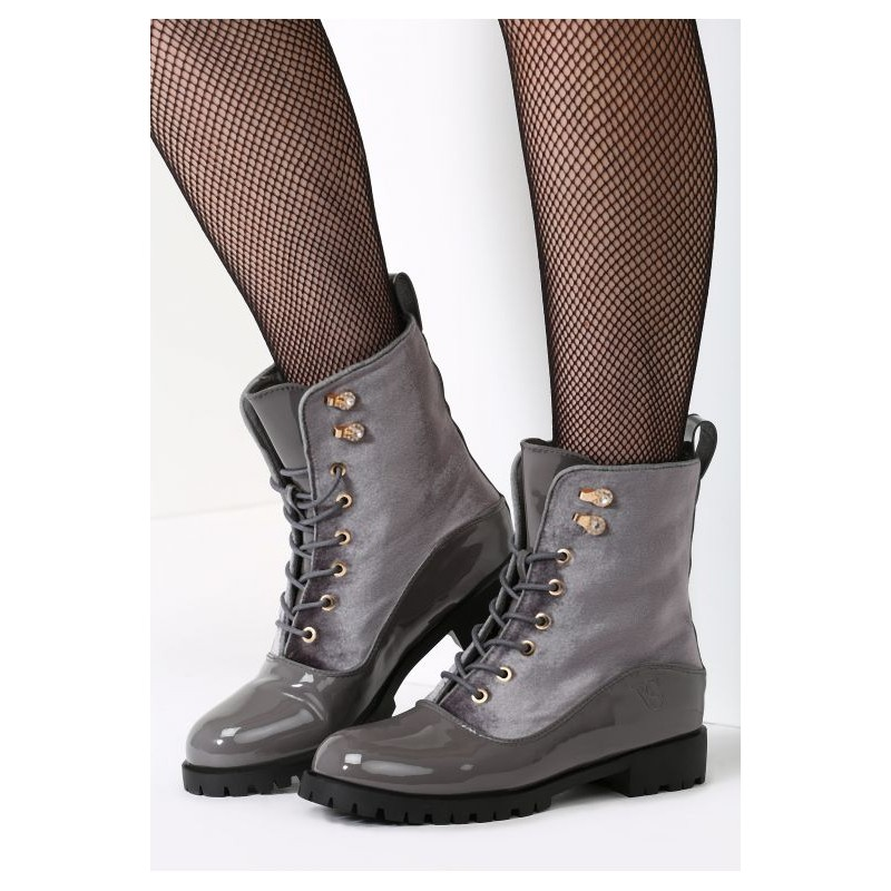 b22be84a1585 Predchádzajúci. Dámska každodenná zimná obuv sivej farby na šnúrovanie ...
