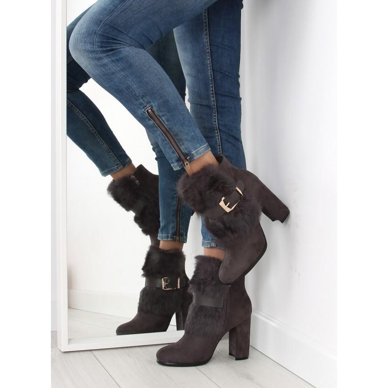 Elegantné dámske krátke čižmy na vysokom podpätku so sivou ... 9b0eb4a3e45