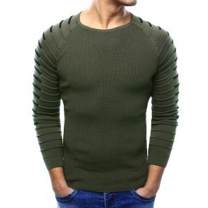 Moderný pánsky sveter v khaki farbe s prešívaním na rukávoch