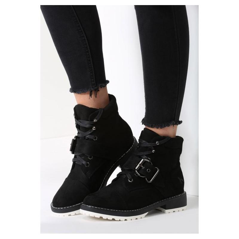 Dámske zimné topánky v čiernej farbe so šnúrkami a prackou ... b0fcd9532b3