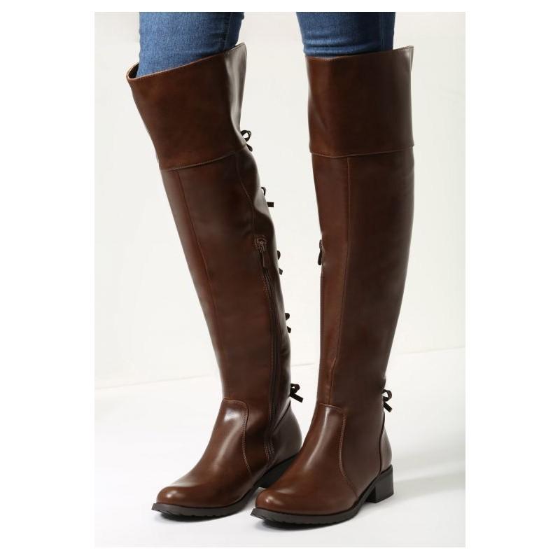 4cc46dc79c Kožené dámske čižmy nad kolená v hnedej farbe na nízkom podpätku s ...