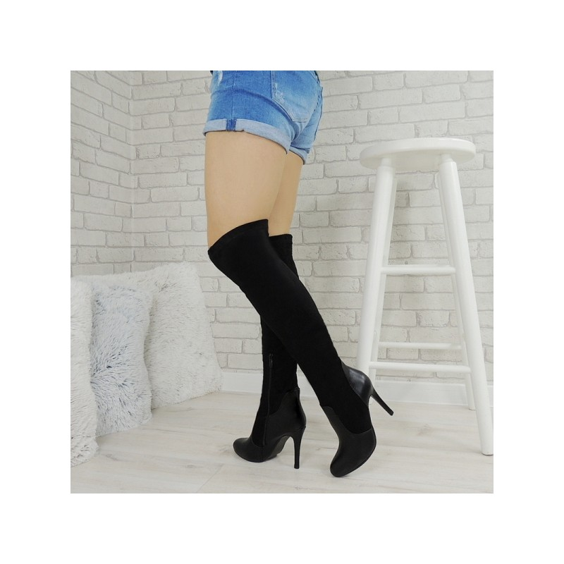 d847557ba992 Vysoké dámske čižmy nad kolená v čiernej farbe na vysokom tenkom ...