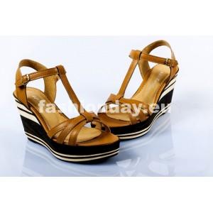Dámske kožené sandále pieskové DT091