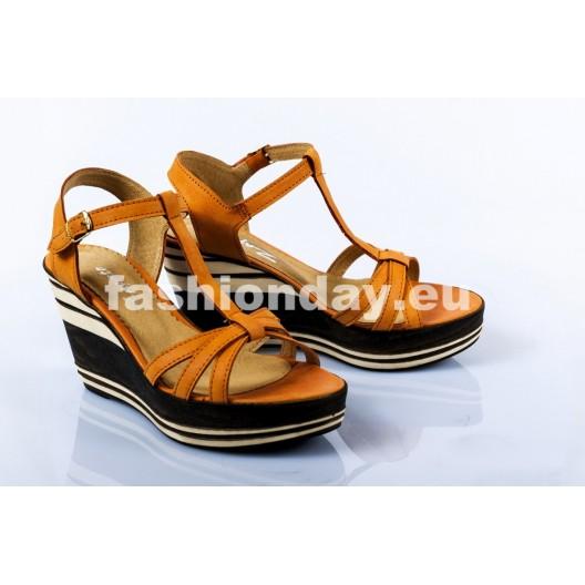 Dámske kožené sandále svetlo hnedé DT092