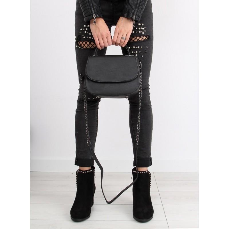 f884db2fdf Predchádzajúci. Jednoduchá čierna dámska crossbody kabelka s retiazkovým  ramienkom ...