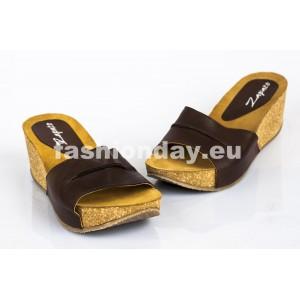 Dámske kožené dreváky hnedé DT075