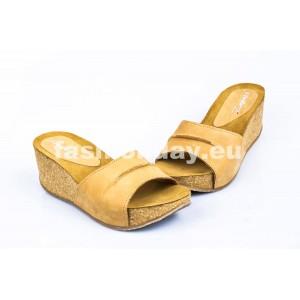 Dámske kožené dreváky pieskové DT079