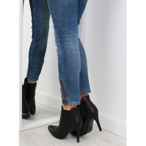 Moderné dámske členkové topánky na podpätku s matným povrchom