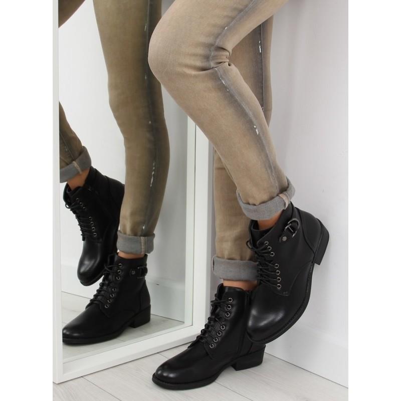 c78a12201c1b Moderné dámske členkové topánky čiernej farby so šnúrkami a prackou ...