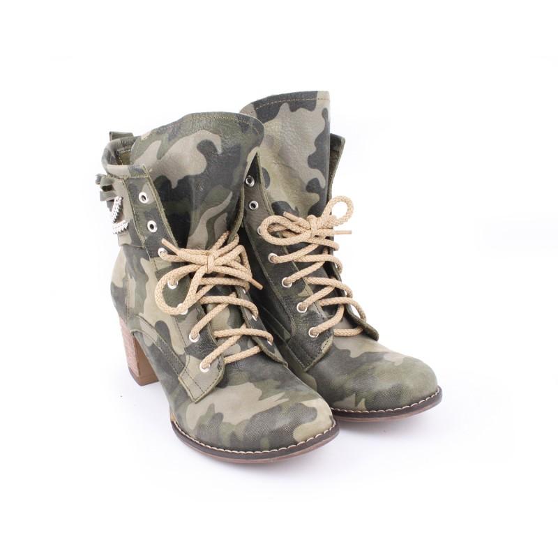 Predchádzajúci. Kožené dámske topánky s maskačovým vzorom na vysokom  podpätku ... ffe212d958a