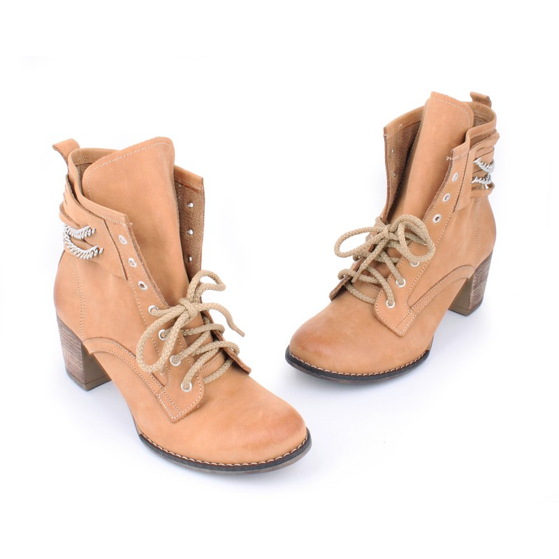 Kožené dámske topánky s viazaním na šnúrky na vysokom podpätku ... f7e4293dd8a