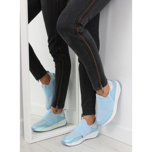 Svetlo modré dámske športové topánky s gumou a hrubou podrážkou