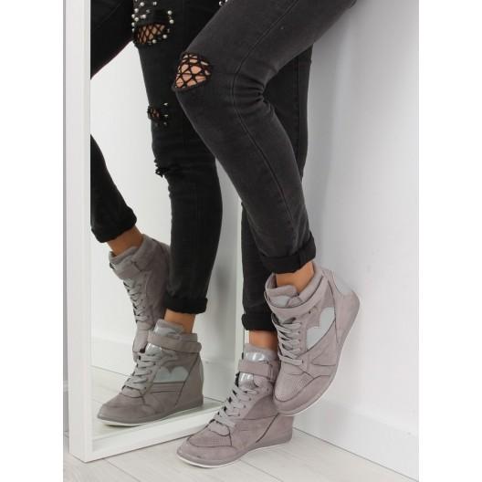 Športové sivé dámske členkové topánky na plnom podpätku so šnúrkami
