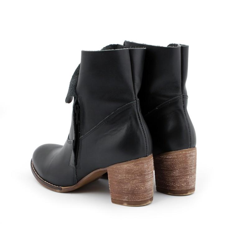 b561ae187f755 Moderné dámske kožené topánky čiernej farby na zips - fashionday.eu