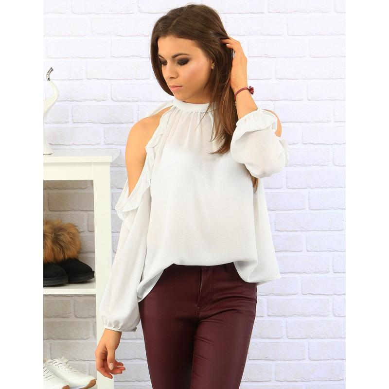 0266f1a01c51 Elegantné dámske blúzky bielej farby s volánkami - fashionday.eu