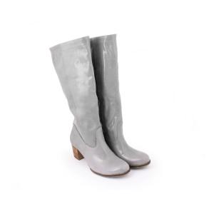Kvalitné kožené dámske čižmy sivej lesklej farby
