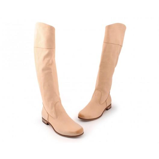 Béžové dámske kožené čižmy na nízkom podpätku