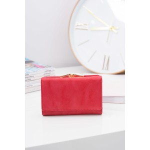 Malé kožené dámske peňaženky červenej farby