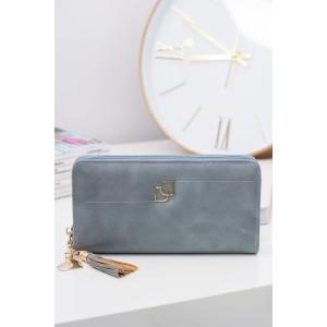 Priestranná dámska peňaženka modrej farby so zapínaním na zips