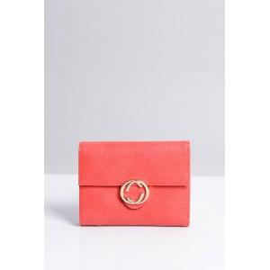 Malá praktická dámska peňaženka červenej farby so zlatým zipsom