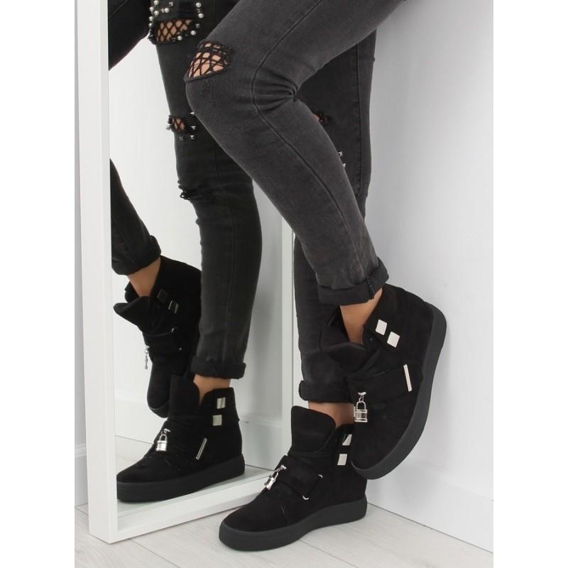 Moderné dámske členkové topánky čiernej farby so skrytým podpätkom ... d891a58e0ef