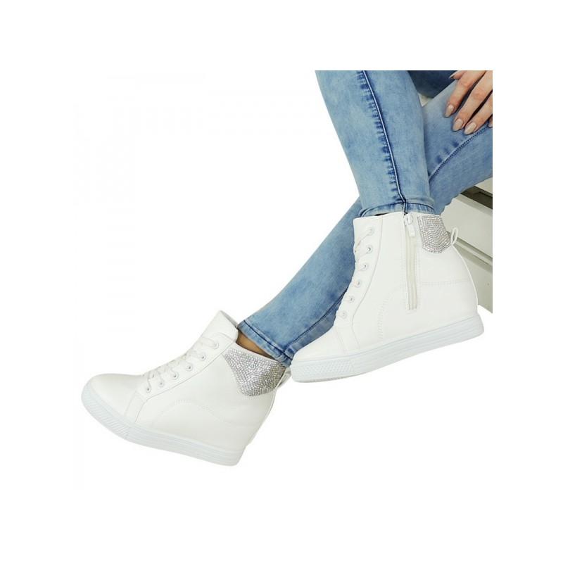 Biele dámske členkové topánky na podpätku zdobené kamienkami ... 09380f71599