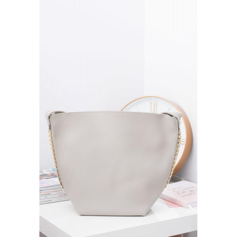 86730020d Moderné dámske shopper kabelky v sivej farbe so zlatou retiazkou ...