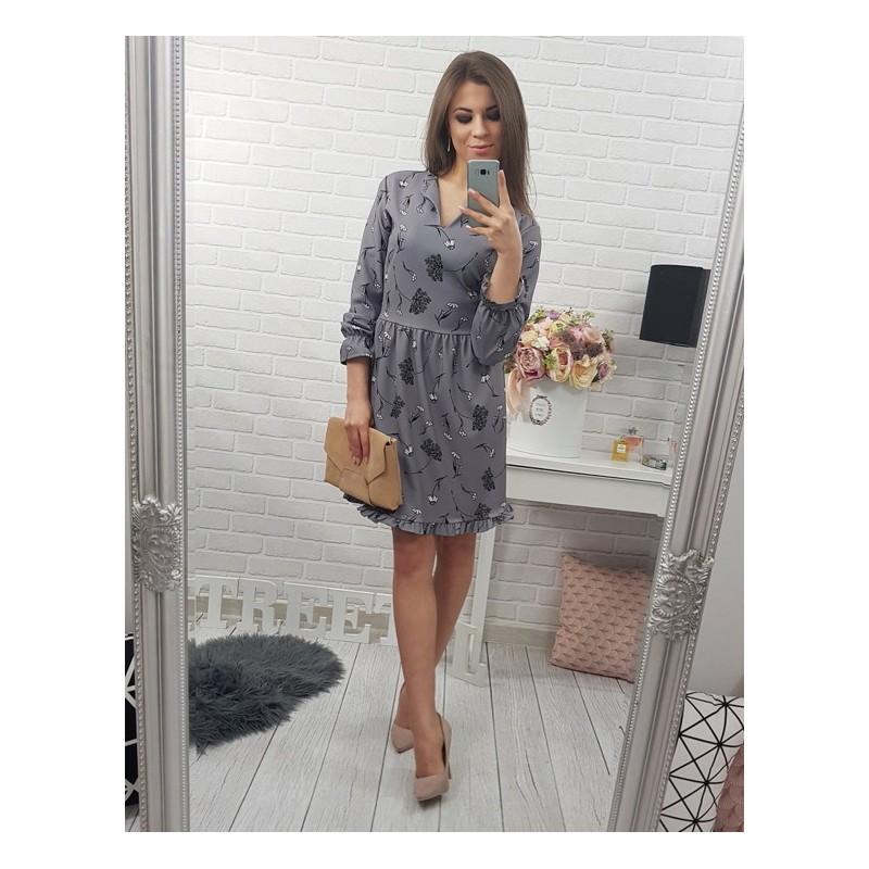 9ad3d52bdfcb Sivé dámske šaty po kolená s kvetovaným vzorom a volánikmi ...