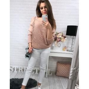 Pohodlný ružový dámsky sveter s dlhými rukávmi a okrúhlym výstrihom
