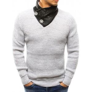 Pohodlný pánsky sveter v bielej farbe s koženým golierom