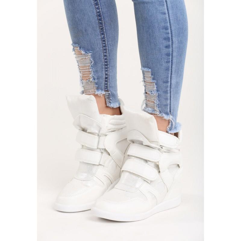 c8fbbbac98 Predchádzajúci. Športová dámska členková obuv na platforme bielej farby ...