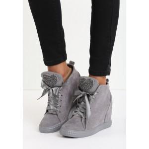 Sivé dámske členkové topánky na platforme so srdiečkami