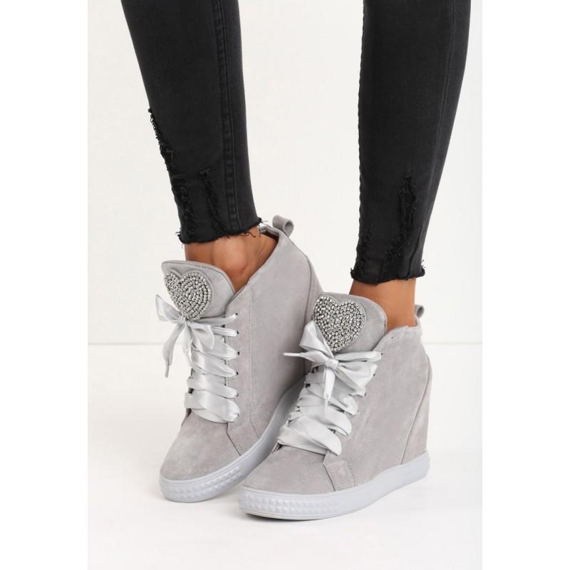 945051058 Svetlo sivá dámska členková obuv na platforme s lesklými šnúrkami a ...