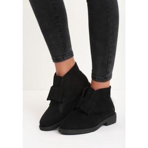 Čierné zateplené dámske členkové topánky na nízkom podpätku
