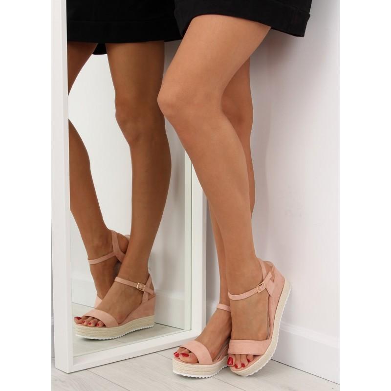6e42cf121acf4 Dámske sandále na platforme v ružovej farbe | FashionDay.eu
