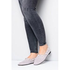 Dámske topánky na jar sivej farby s perličkami