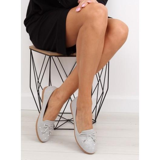Jarná obuv pre ženy s jemným vybíjaním v sivej farbe
