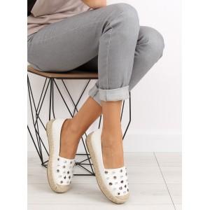 Dámska letná obuv s hrubšou podrážkou v bielej farbe