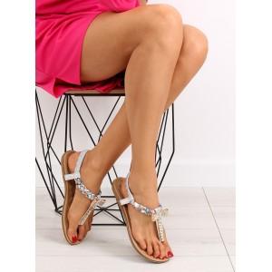 Luxusné dámske sandále na nízkom podpätku v striebornej farbe