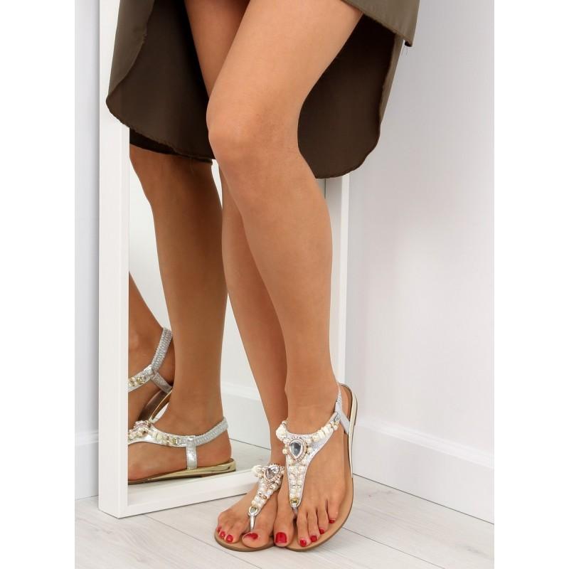 614e2517b9a3 Letné dámske nízke sandále v striebornej farbe