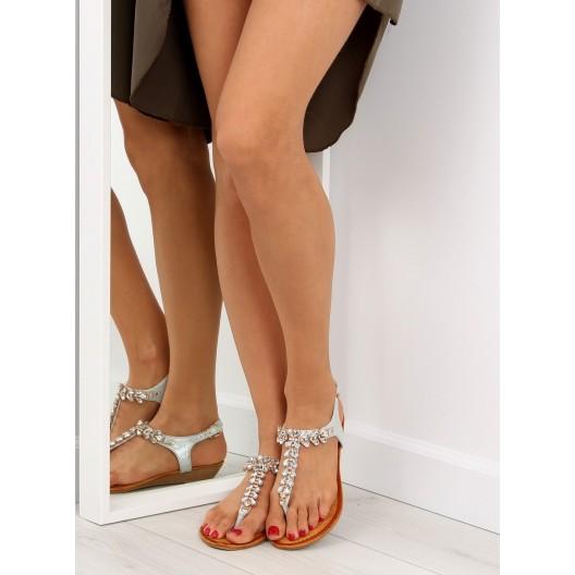 Spoločenské sandále v striebornej farbe s kamienkami