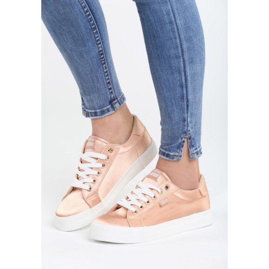 Dámske športové botasky s bielou podrážkou