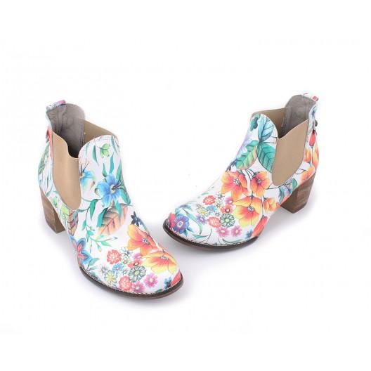 Kvetované dámske kožené topánky na hrubom podpätku