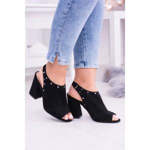 Sandále na hrubom opätku v čiernej farbe