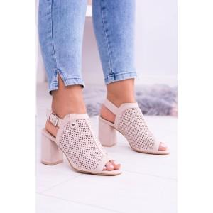 Letné sandále béžovej farby s dierkovaným povrchom