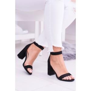 Sandále hrubom opätku čiernej farby