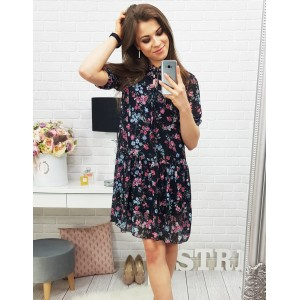 Čierne šaty na leto s kvetovaným vzorom