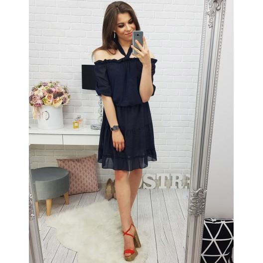 Pekné dámske šaty v modrej farbe s odhalenými ramenami